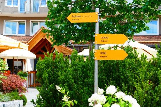 Opfikon, سويسرا: Wegweiser