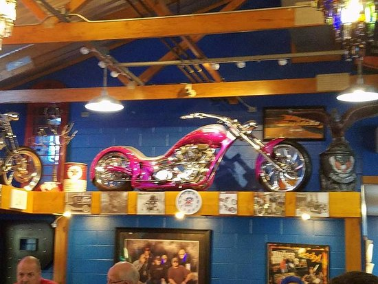 Savanna, อิลลินอยส์: Bikes on the walls
