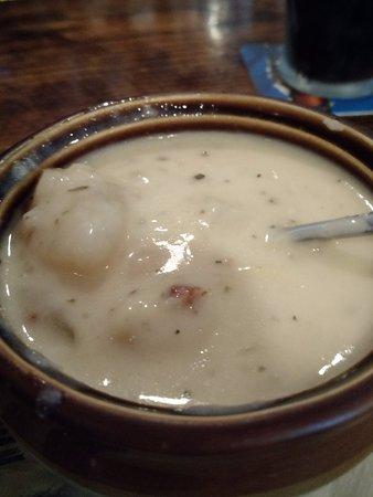 Flynn's Irish Tavern: Potato Leek Soup........delicious!