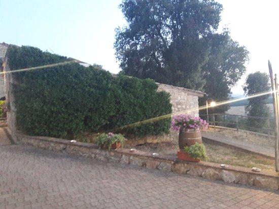 Antico Borgo Poggiarello: 20170722_211252_large.jpg