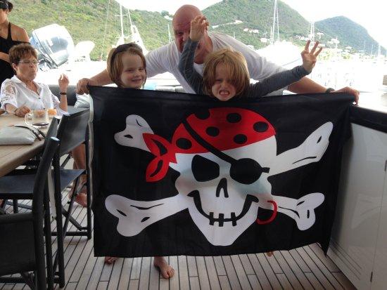โรดทาวน์, Tortola: Pirates!