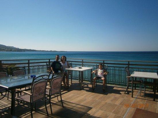 terrazza vista mare spettacolare - Picture of Hotel Ilyssion, Lardos ...