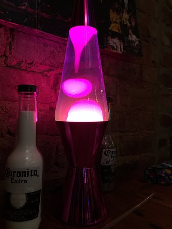 Cartersville, GA: Lava Lamps on the tables at Ate Track Bar & Grill