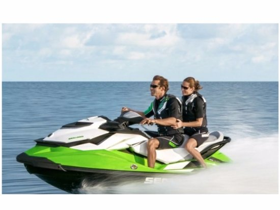 Pittsboro, Carolina del Norte: Our 130HP jet skis are awesome fun!!!!!