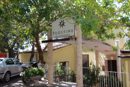 Hotel Podstine: Entrance