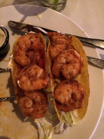Pipersville, Pensilvania: There were 3 Cajun Lime Shrimp Tacos, but I couldn't resist eating one before pic. Excellent