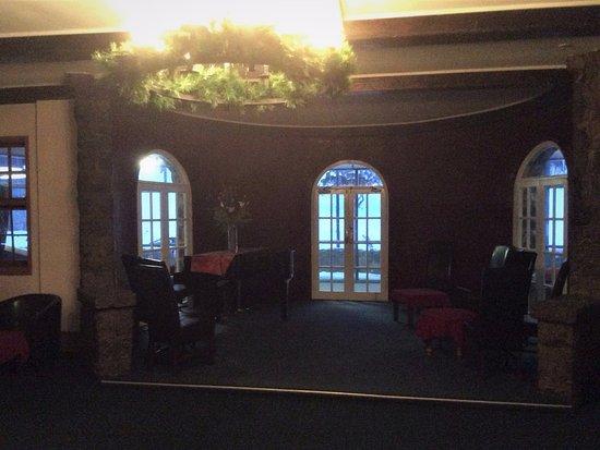 Charlottes Pass, Australia: Piano room