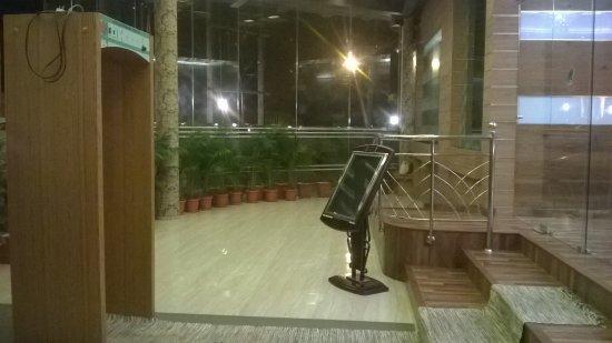 Hotel Blue Nile: Main Entrance
