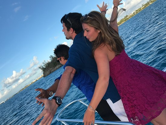 Sandys Parish, Bermudas: Re-enacting Titanic with a party of 3!