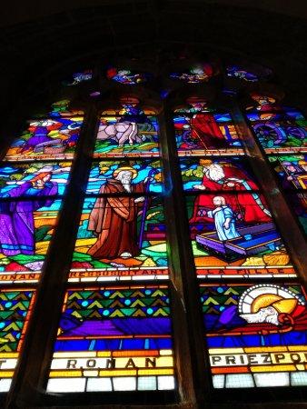 Locronan, ฝรั่งเศส: Vetrata della cattedrale