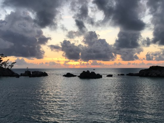 Sandys Parish, Bermudas: Another priceless Bermuda Sunset from aboard the 55' K&S Luxury Viking Cruiser