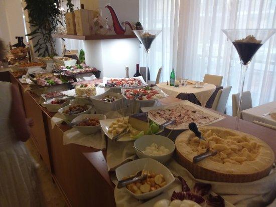 Hotel Croce di Malta Veneto : Vorspeisenbuffet (Teil)