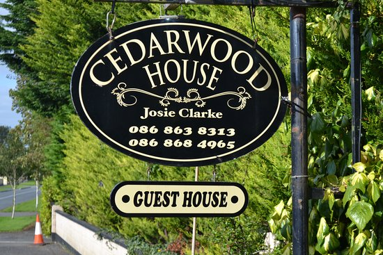 Cedarwood House B & B