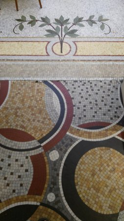 Timhotel Palais Royal Louvre: mosaic floor at the reception area