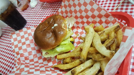 Covington, KY: All the way burger and fries