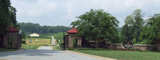 Lexington, NC: Vineyard Entrance