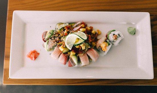 Midland, MI: Mahalo - tempura shrimp, spicy mayo, avocado, topped with yellowtail, served with pineapple sala