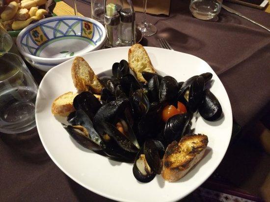 Besozzo, Italia: IMG_20170722_211230_large.jpg