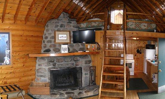 Yellowstone Inn: inside cabin 10