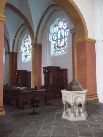 Im Inneren Der Basilika Die Moderne Decken Vertafelung Picture