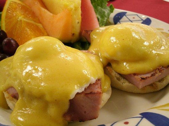 Jackson, CA: Eggs Benedict
