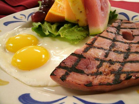 Jackson, CA: Ham & Eggs