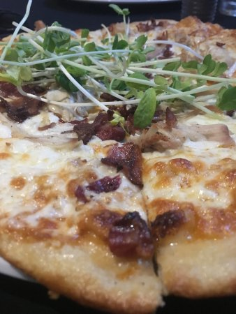 Strathroy, Canada: Chipotle sauce, bacon and chicken