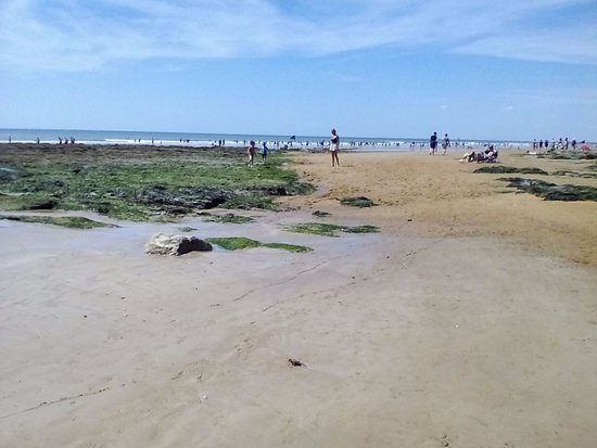 """Olonne-sur-Mer, France : La plage de """"Sauveterre"""" ( Navette gratuite du camping a la plage )"""