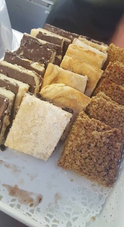Slaidburn, UK: Home made tray bakes.