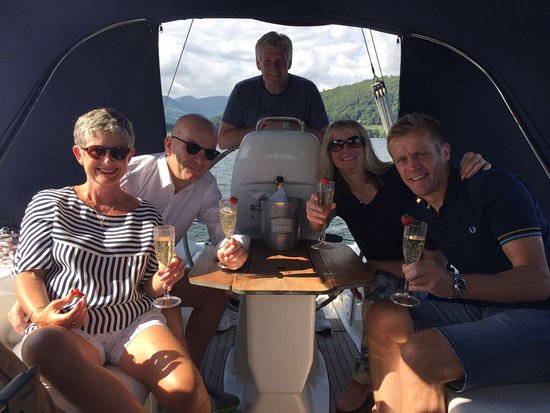 Sailing Dinner Cruises: A little fizz!