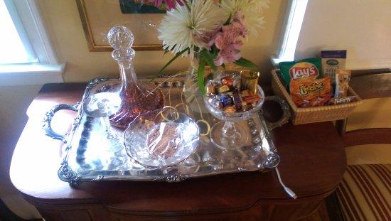 Simsbury, CT: Fresh flowers, chocolates, cookies, snacks, sherry
