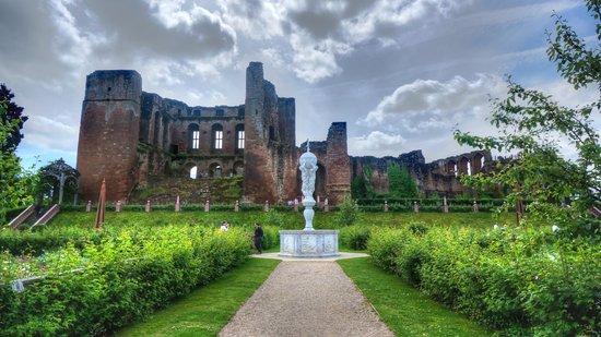 Кенилуэрт, UK: Kenilworth Castle
