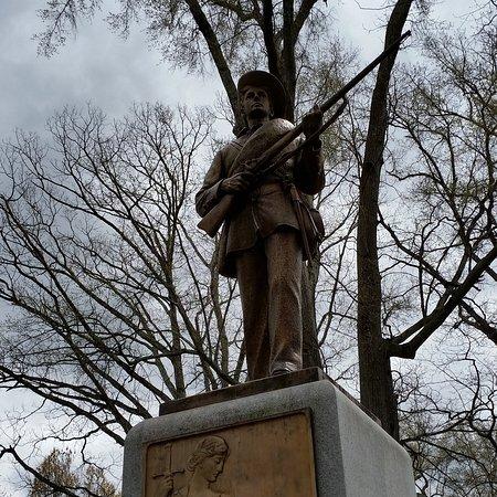 Chapel Hill, NC: Statue commémorative