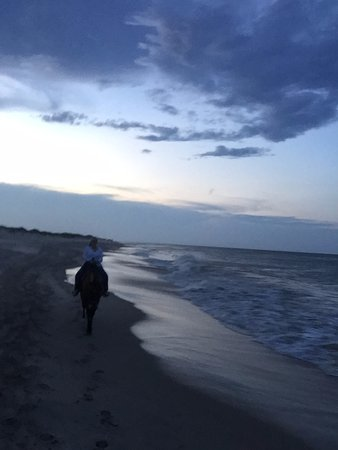 Virginia Beach | Outer Banks (OBX) Horseback: Beginning of sunset ride. Quickly turned dark because of 30+ minute delayed start.