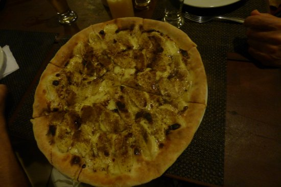 La Pizzeria: piza de banana y canela