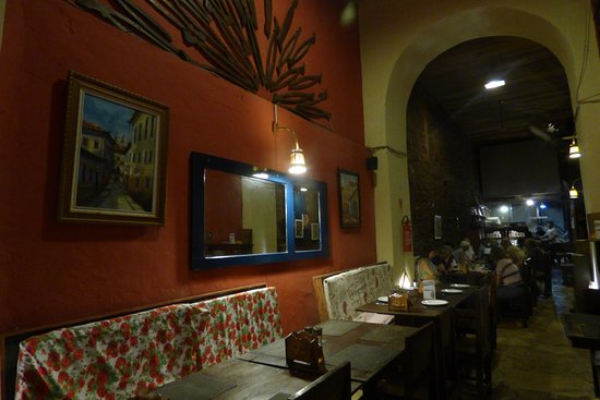La Pizzeria: interior de la pizeria