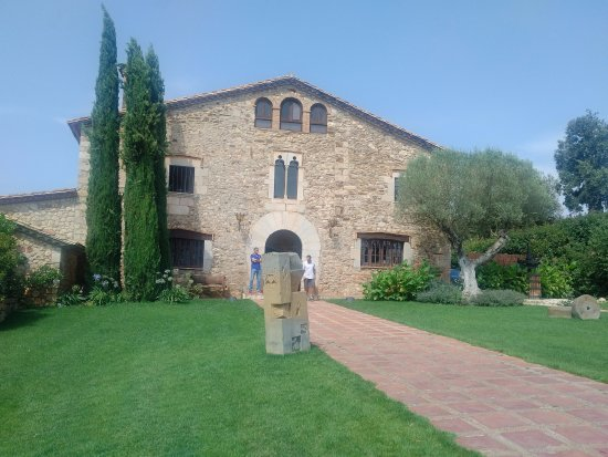 Quart, Испания: The venue