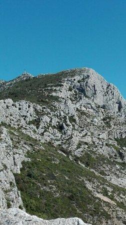 Provence, Frankreich: montagne sainte victoire, le sommet se rapproche ....