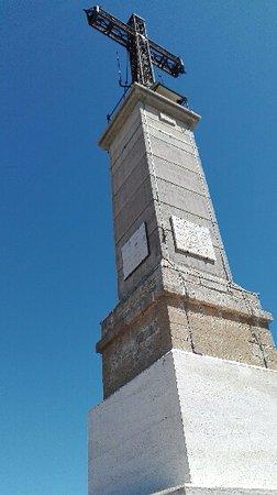croix de Provence en haut du sommet de la montagne sainte victoire