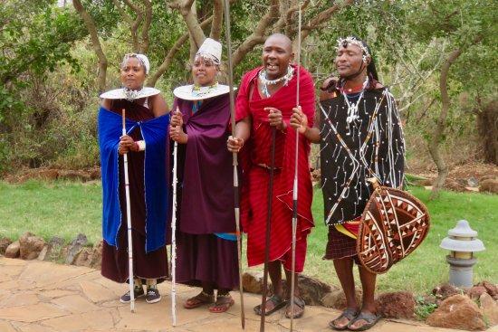 Escarpment Luxury Lodge : Maasai entertainers at the lodge