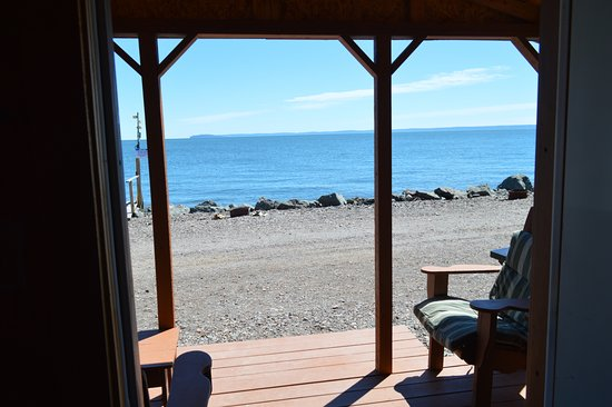 Parrsboro, Kanada: View from just inside one of the 4 cottages