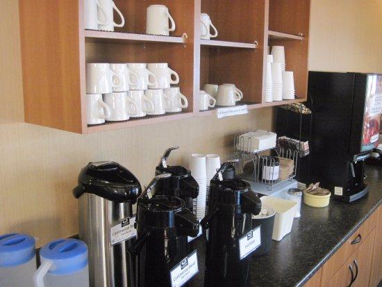 Esquimalt, Καναδάς: mugs for cafe coffee - happy me