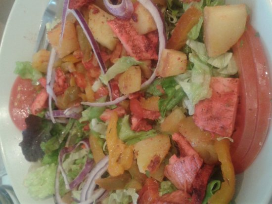 Le Chesnay, France: Salade New Delhi