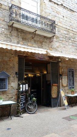 Mirepoix, France: le grain de sel