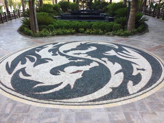 Royal Dragon Hotel: photo2.jpg
