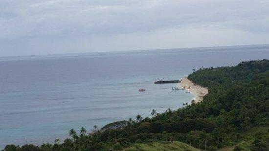 Dravuni Island : Look back toward jetty.