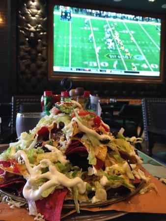 Φόξμπορο, Μασαχουσέτη: Largest nachos ever
