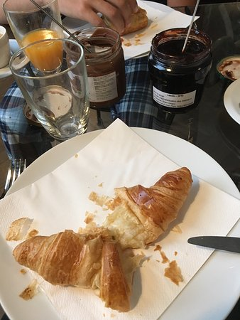 Schaerbeek, Belgium: This was waiting for us in the morning😍 perfect start to a busy day
