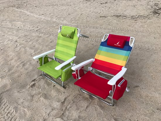 The Caribbean Court Boutique Hotel: Chairs provided by hotel