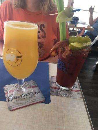 "Blu' Island Bistro: ""Manmosa"" and Bloody Mary"